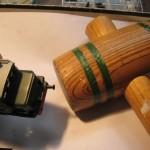 Usare sempre un martello di legno denso
