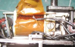 13 - saldate il filo del centro bobina con il cuore, avvitare l'invertitore riparato, saldate gli altri fili, bisognerà solo rimettere l'adesivo