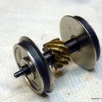 uno degli assi motore realizzato con estrema precisione